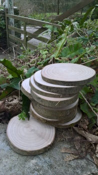 Range of smaller wood slices available in units of 10 for Craft/coaster/wedding names etc... from 2 - 12 cm diameter in Ash and Larch
